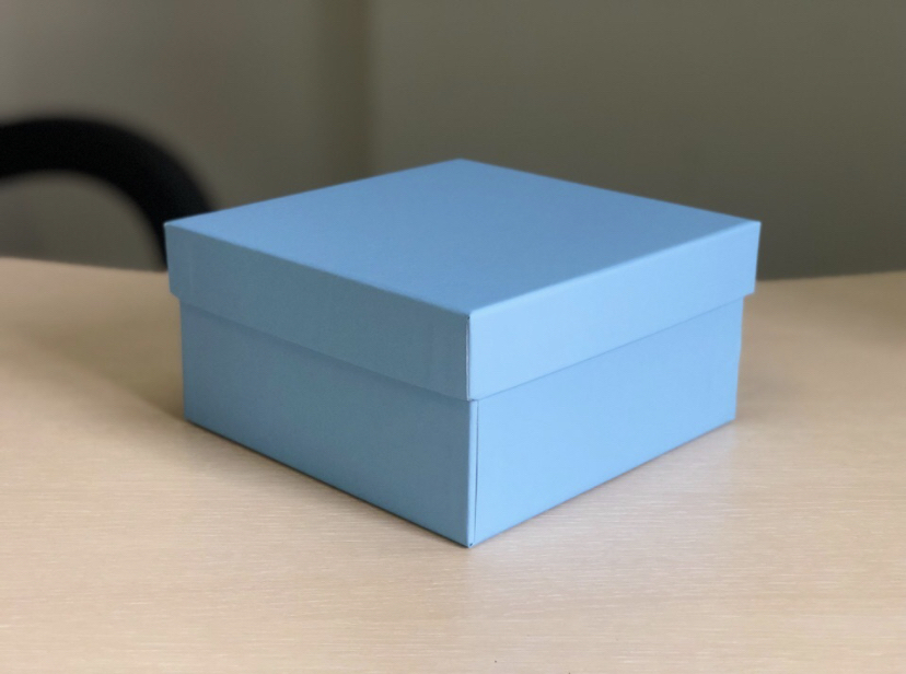 Копия Квадратная коробка 15см .Цвет; Голубой . В розницу 200 рублей