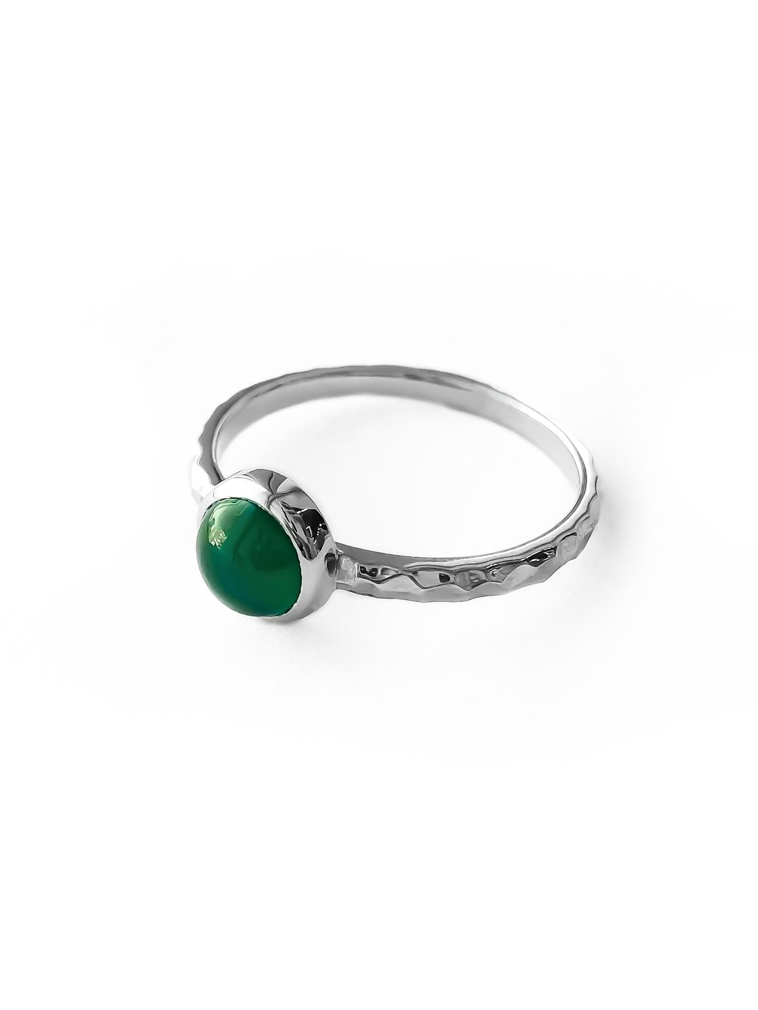 Серебряное узкое кольцо с зелёным агатом