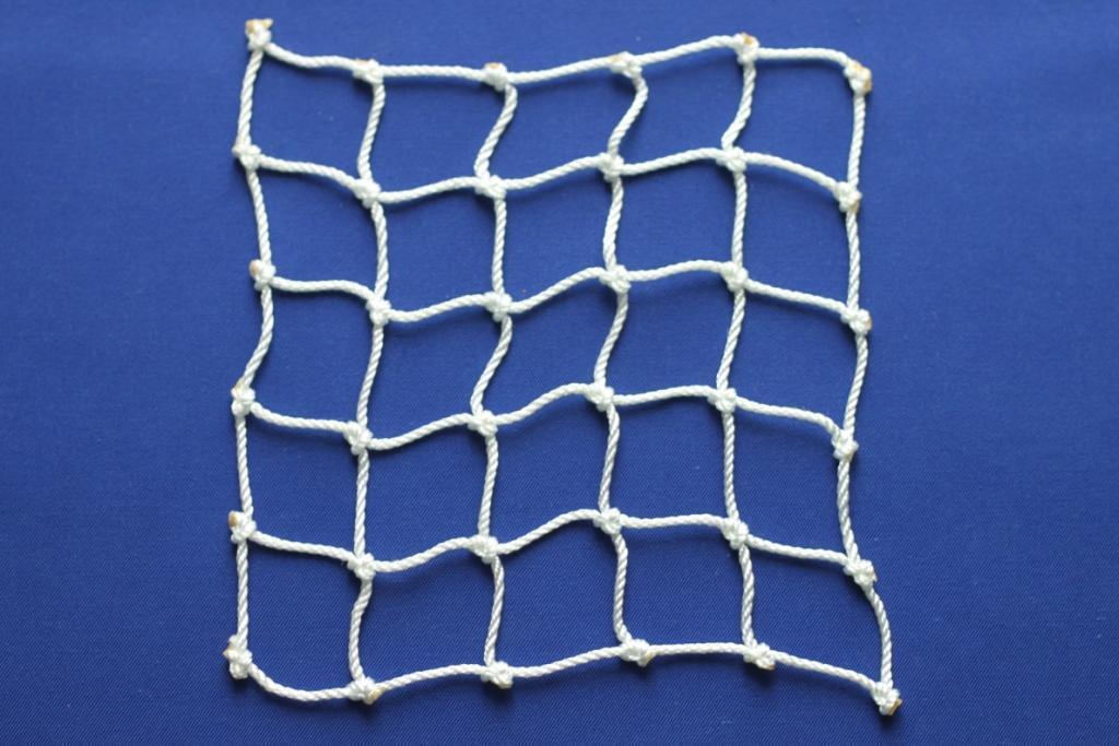 Веревочная сетка для лазания (ячейка 15x15 см, канат d=10 мм)