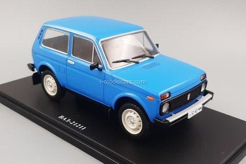 VAZ-21211 Niva Lada blue 1:24 Legendary Soviet cars Hachette #76