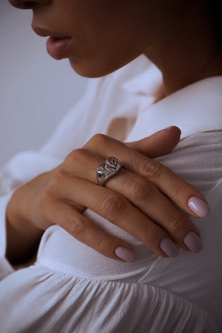 Серебряное кольцо-печатка сердце