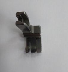 Фото: Лапка с ограничительным бортиком для отстрочки с подпружиненной правой половинкой CR 1/4E (6,4мм)