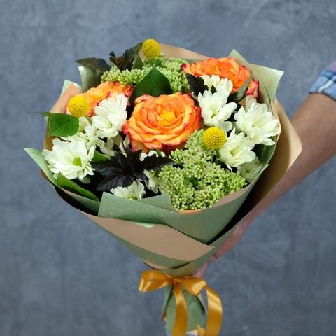 Букет осенний 13 с эквадорскими розами