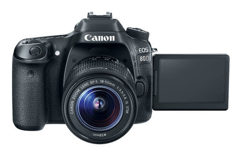Canon EOS 80D kit EF-S 18-135mm f/3.5-5.6 IS USM NANO