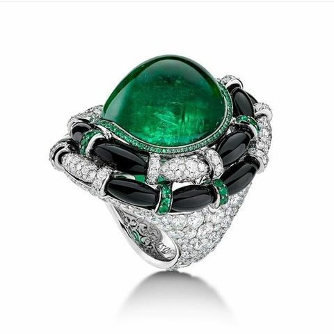 98550- Крупное кольцо из серебра с зеленым кварцем  в стиле  De Grisogono