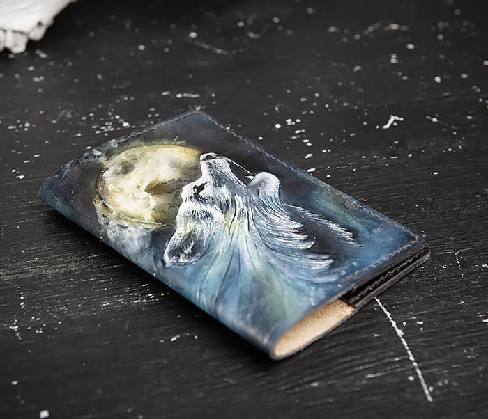 BC208 Обложка на паспорт с волком, ручная роспись фото 04