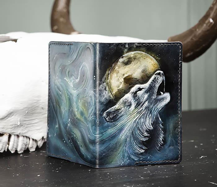 BC208 Обложка на паспорт с волком, ручная роспись фото 05