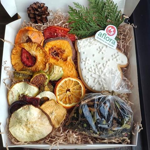 Фотография Набор новогодний с чаем и пряником  150 г. купить в магазине Афлора
