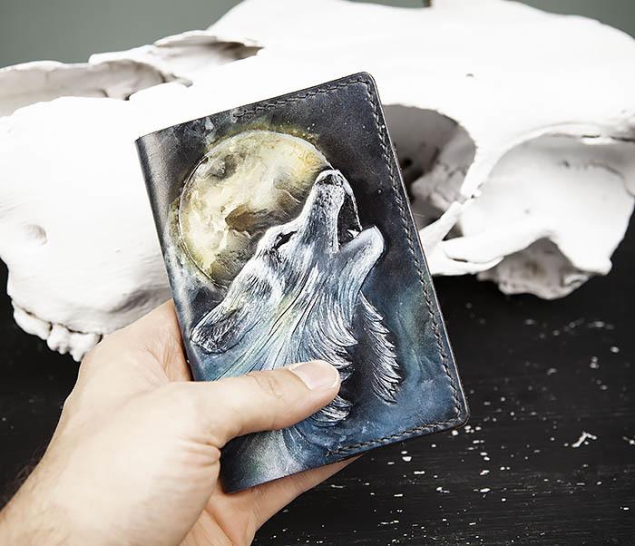 BC208 Обложка на паспорт с волком, ручная роспись фото 09