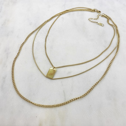 Колье из тройных цепей с прямоугольным кулоном, сталь (золотистый)