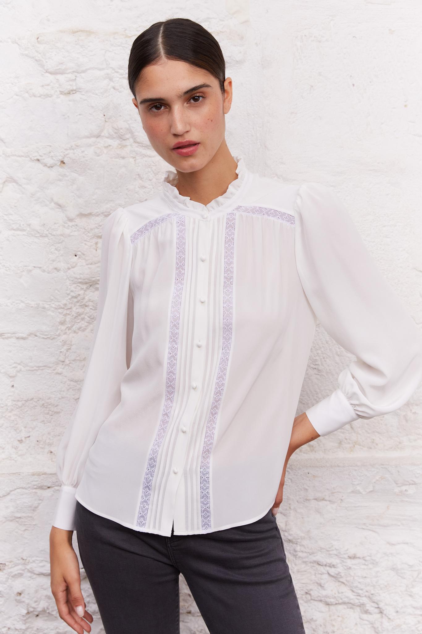 CESARIA - Шелковая блуза с вышивкой