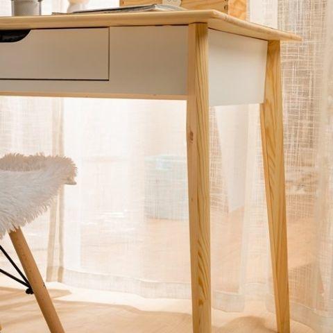 Письменный стол Кидс 2 (скандик белый/лак)