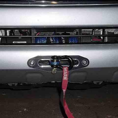Установка лебедки Mitsubishi L200 в штатный бампер