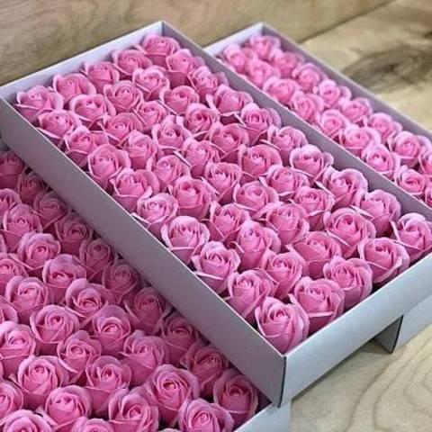 Ароматные мыльные бутоны роз в коробке розовые (50 штук)