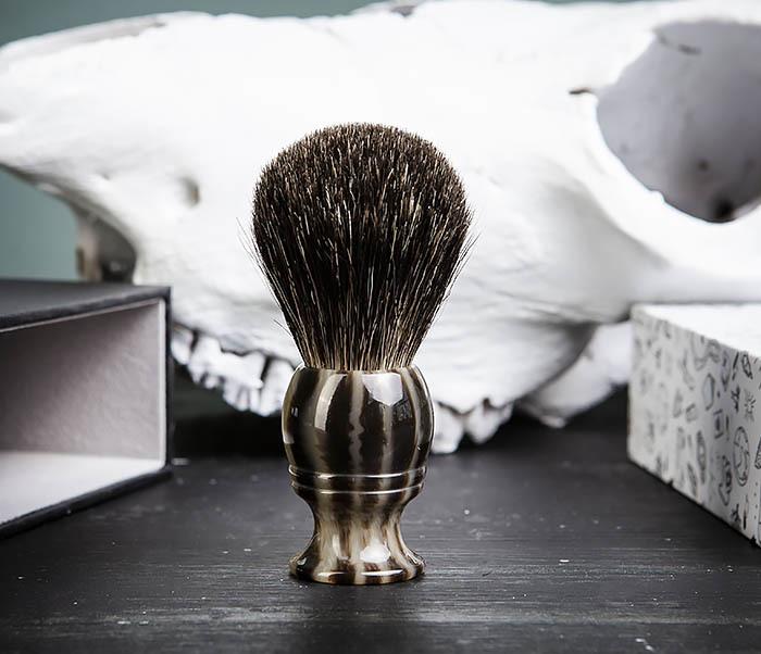 RAZ431-2 Помазок из барсучего волоса в подарочной коробке