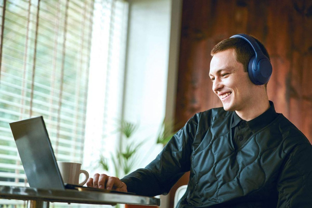 Наушники Sony WH-XB900N синие купить в Sony Centre Воронеж