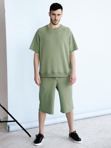 Костюм: футболка, шорты