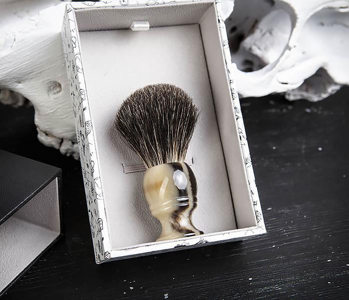 RAZ431-2 Помазок из барсучего волоса в подарочной коробке фото 05