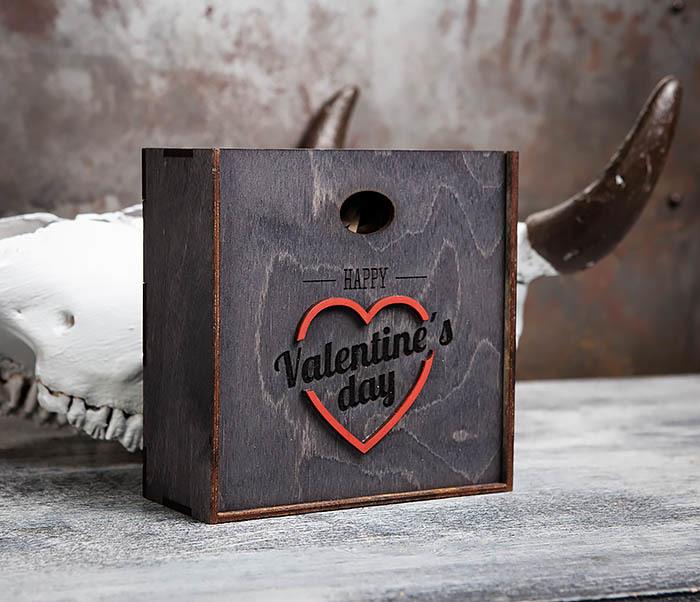 BOX206-1 Деревянная подарочная коробка «День святого Валентина» (17*17*7 см)