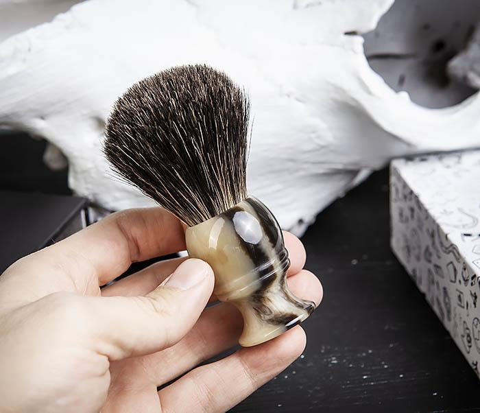 RAZ431-2 Помазок из барсучего волоса в подарочной коробке фото 08