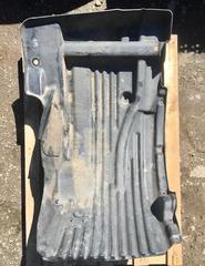 Подкрылок передний левый МАН ТГМ для грузовых автомобилей, б/у.   Оригинальные номера - 81612300259