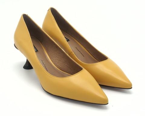 Туфли желтые кожаные на каблуке-рюмочке