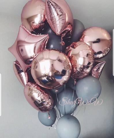 Букет из серых шаров с фольгированными фигурами в цвете розовое золото