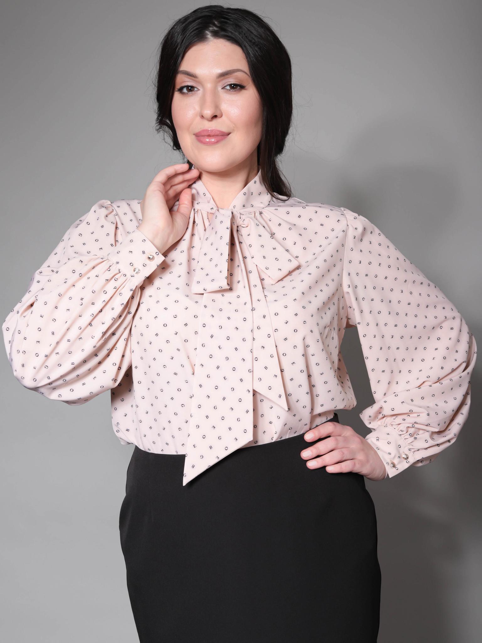 Блузка с воротником-бантом (бежевый с буквами)