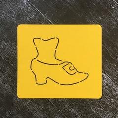 Нога в туфле №1