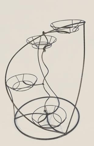 Подставкадля цветов напольная Лилия на 4 горшка
