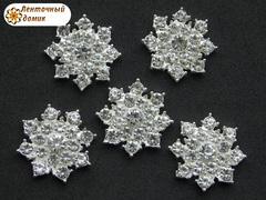 Стразовая снежинка с прозрачными камнями на серебре №3