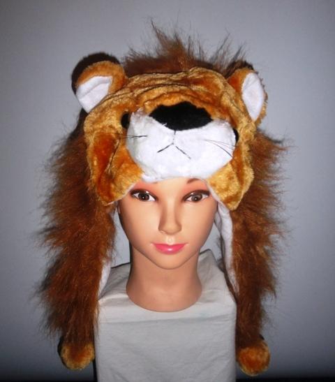 Шапочка со львом