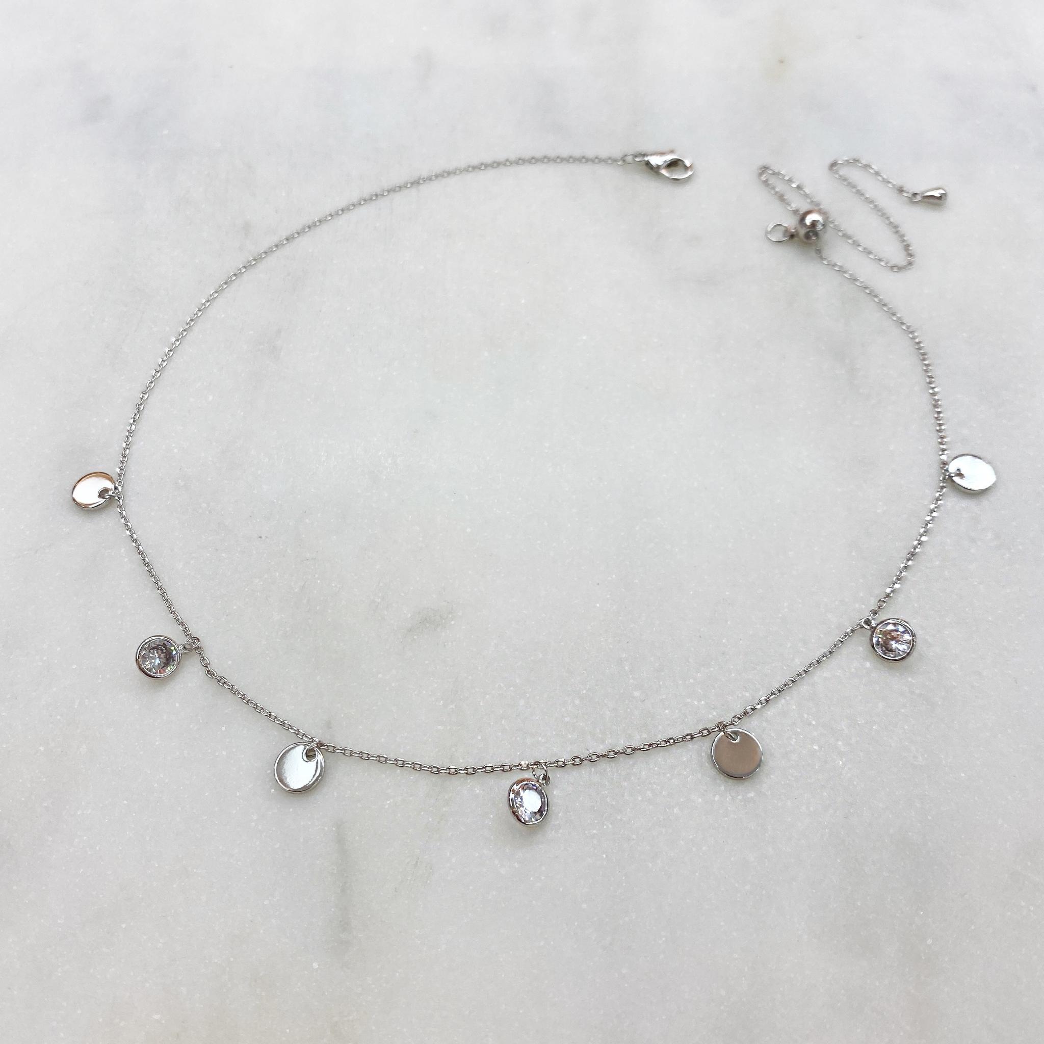 Чокер-цепочка с круглыми цирконами и монистами (серебристый)