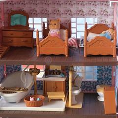 Кукольный домик со светом с полным комплектом мебели Anbeya family 015-13