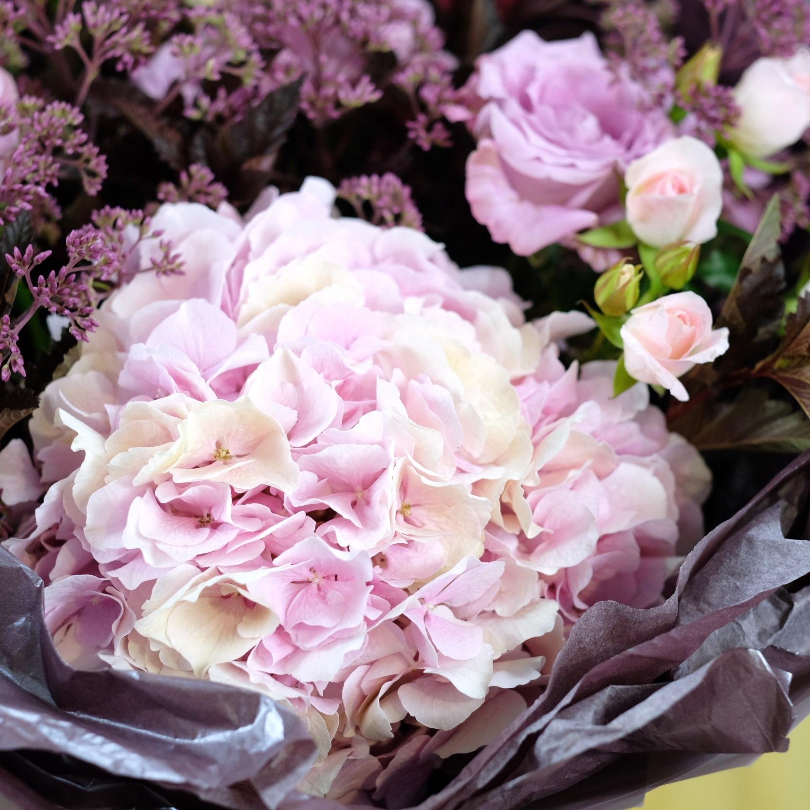 Букет пыльно-розовый №30 с гортензией