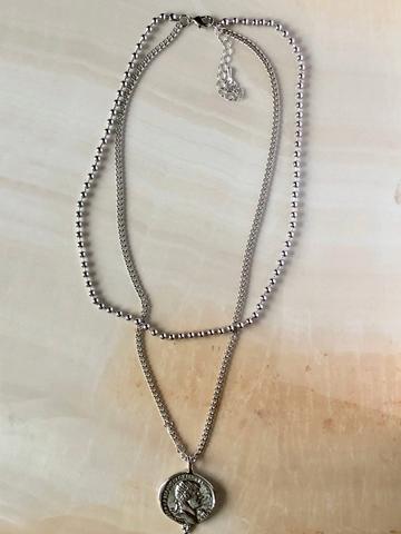 Колье Бергинса, серебряный цвет