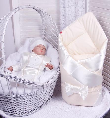 Набор на выписку из роддома Стиль (молочный)