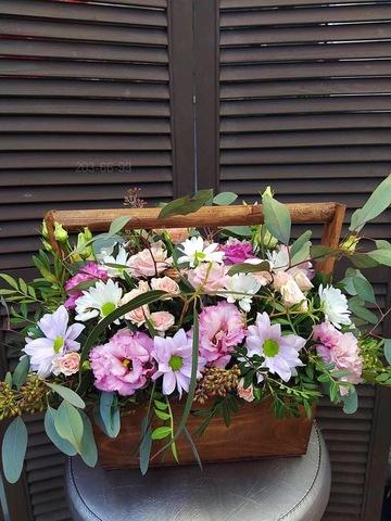 Цветы в деревянном ящике #1896