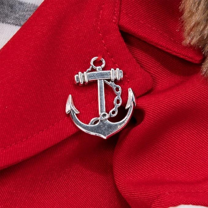 Пес Бартоломей в красном пиджаке