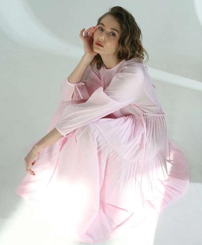 Платье фактурное жатое розовое
