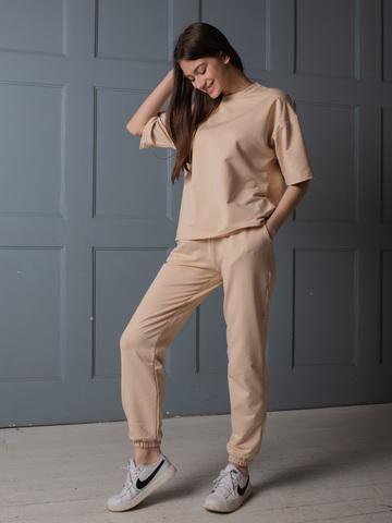 Костюм из смесового хлопка ( широкая футболка и брюки с манжетами) бежевый