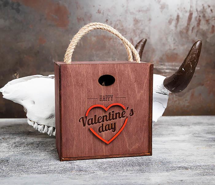 BOX205-3 Большая подарочная коробка «День святого Валентина» с ручками (17*17*10 см) фото 02