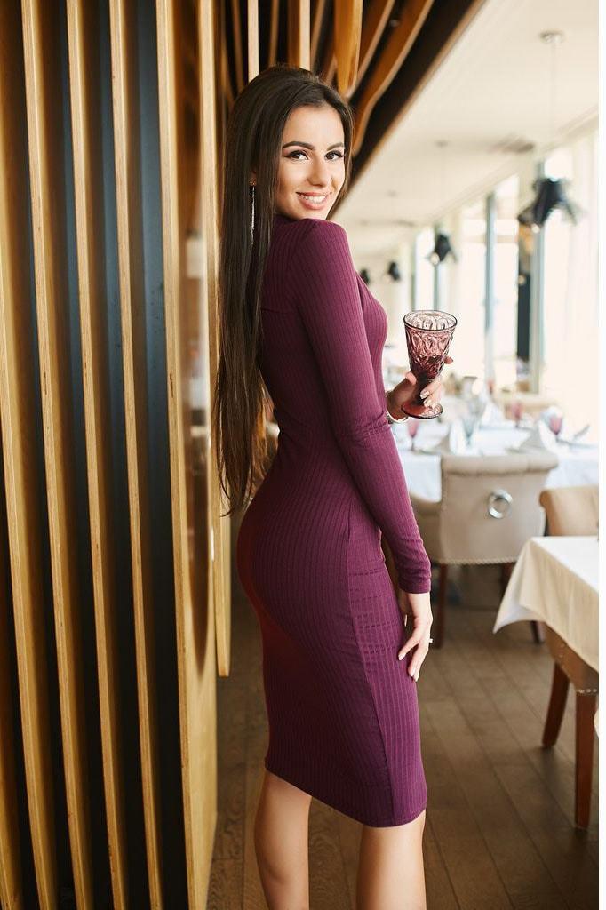 Трикотажное платье-водолазка