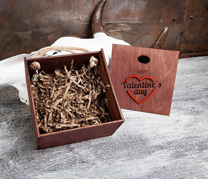 BOX205-3 Большая подарочная коробка «День святого Валентина» с ручками (17*17*10 см) фото 04