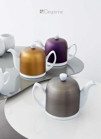 Фарфоровый заварочный чайник на 6 чашек с синий  алюминиевой крышкой, белый, артикул 225359
