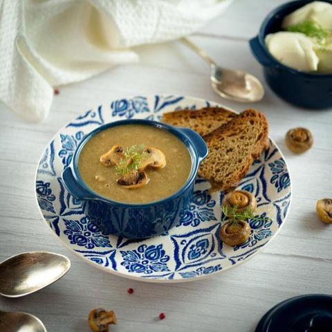 Фотография Суп-пюре грибной с оливковым маслом (постный) / 350 мл купить в магазине Афлора