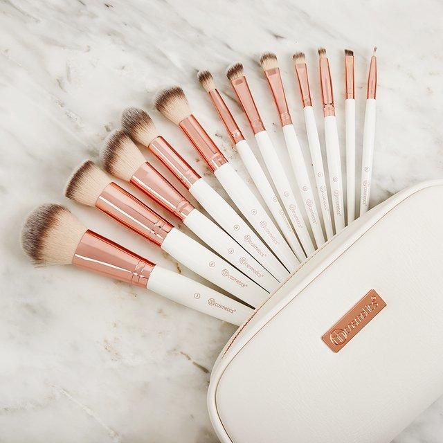 BH Cosmetics Rose Romance 12 piece brush set