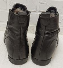 классические зимние ботинки