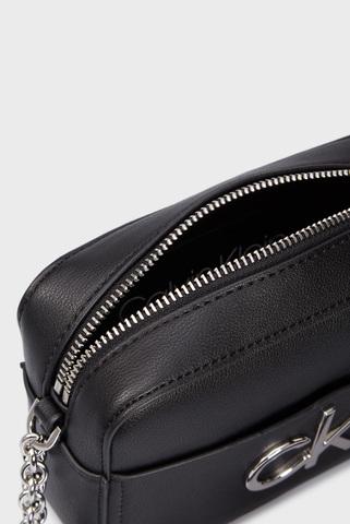 Женская черная сумка через плечо RE-LOCK CAMERA Calvin Klein
