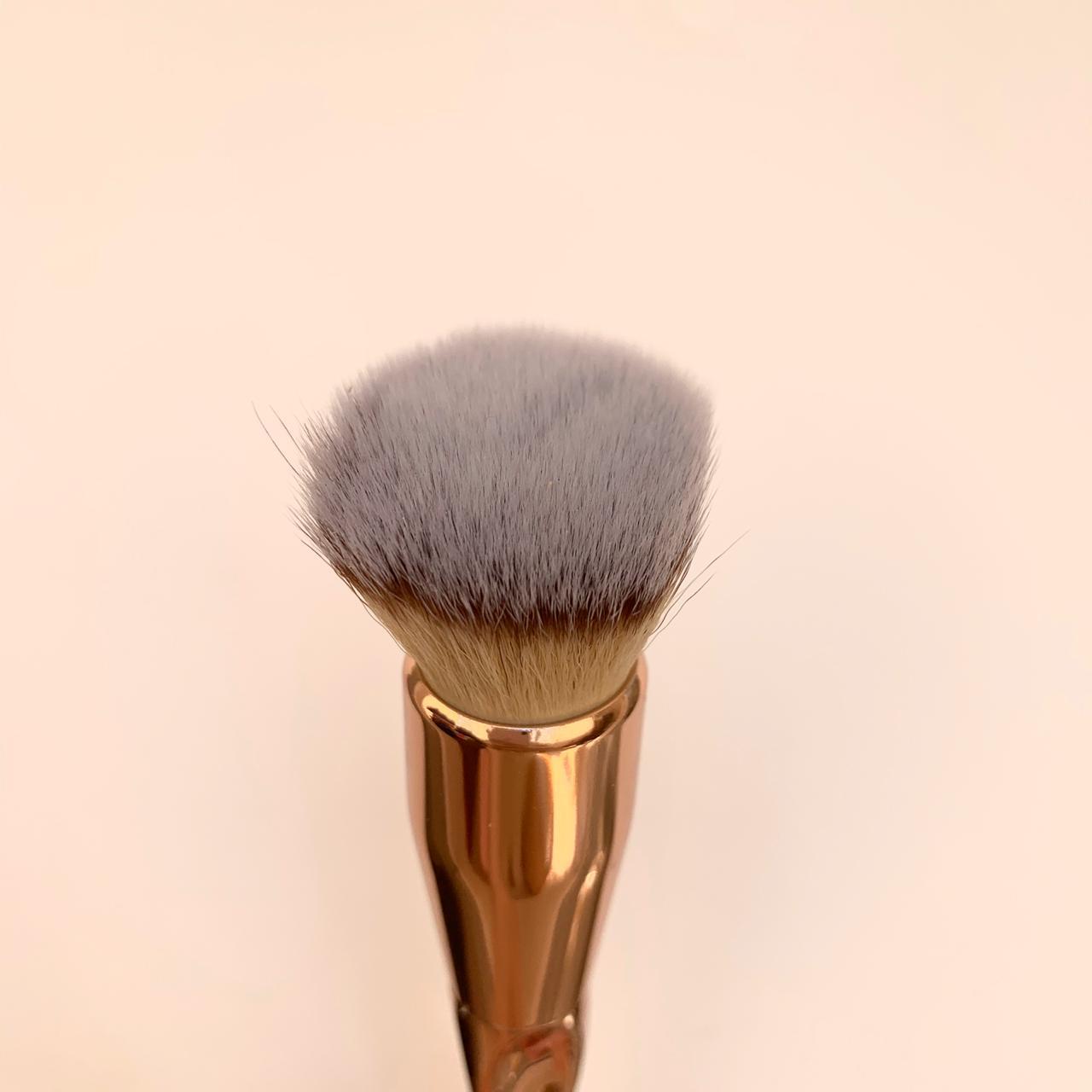 Кисть-кабуки для кремовых текстур Nascita 194